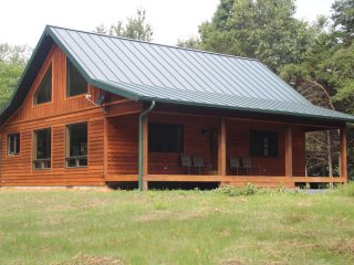 NEW!!! Secluded Cabin, Handicap Access, Hot tub - Rileyville vacation rentals