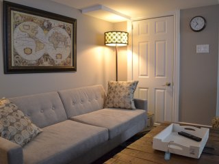 Beautiful 1 bedroom apartment by the beach. - Toronto vacation rentals