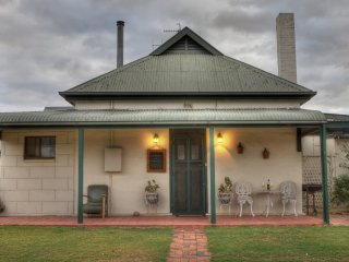 6 bedroom House with A/C in Bordertown - Bordertown vacation rentals