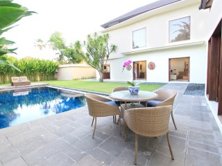 Villa 8 Sanur 15 min walk to Sanur Beach - Sanur vacation rentals