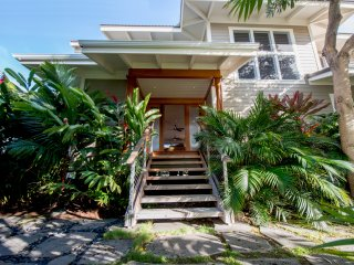 Oceanfront Villa  On A Sandy Beach Wit Guest House - Puako vacation rentals