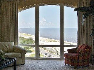 Cozy 2 bedroom Condo in Gulfport - Gulfport vacation rentals