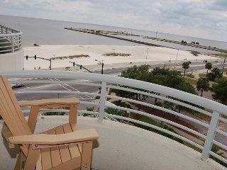 Nice Condo with Deck and Internet Access - Biloxi vacation rentals