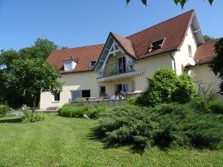 Chambre tranquille Vallée  de la Dordogne - Cavagnac vacation rentals