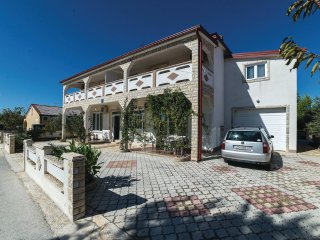 Apartments Zoka 4 + 2 persons Ground floor 70m2 - Vir vacation rentals