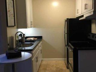 1 bedroom Condo with Internet Access in Burlingame - Burlingame vacation rentals