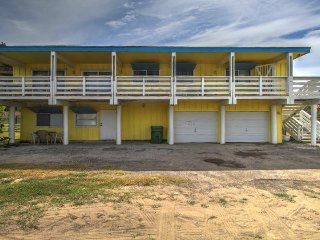 Dog-friendly home w/ deck, across the street from the beach! - South Padre Island vacation rentals