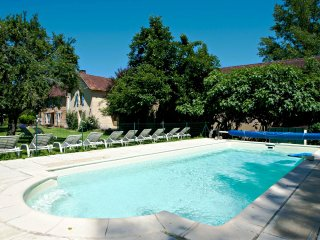 Le Four a Sel Farmhouse nr Lascaux & sites ,Pool Pingpong ,Playground, Fishing - Aubas vacation rentals