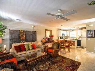 Duval Square Retreat: A beautiful condo steps from the action - Key West vacation rentals