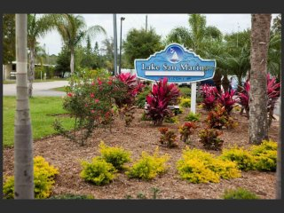 Lovely Caravan/mobile home with Internet Access and A/C - North Naples vacation rentals