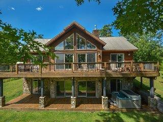 Luxurious 5 Bedroom Mountain Chalet in prestigious community! - McHenry vacation rentals