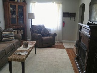 2 bedroom Cottage with Internet Access in Auburn - Auburn vacation rentals