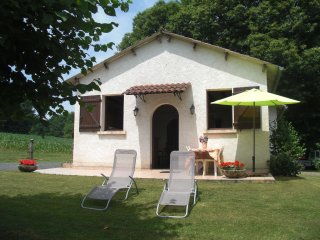 Nice House with Washing Machine and Television - Saint-Pardoux-l'Ortigier vacation rentals