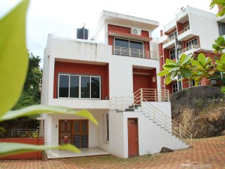 Ruby Residency Residential & Resorts 3Bedroom - Pololem vacation rentals