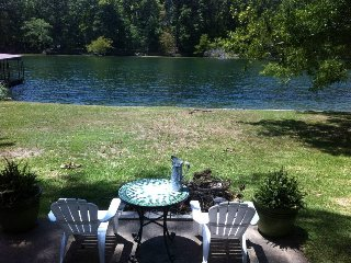 100 Feet of Lake Front Property - Mountain Pine vacation rentals