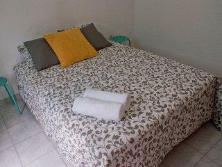 ESTUDIO, IDEAL ESTUDIANTES Y PAREJA 2.3 - Barcelona vacation rentals