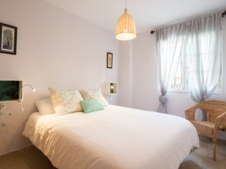 FLAT WITH FREE PARKING, COMFORTABLE AND CLEAN. - Malaga vacation rentals