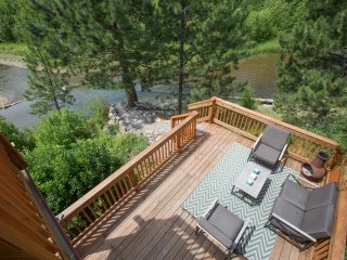 Creek Front Cabin sleeps 4. 30 min. from Missoula - Huson vacation rentals