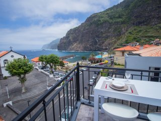 Nice Penthouse with Internet Access and Satellite Or Cable TV - Ponta Delgada vacation rentals