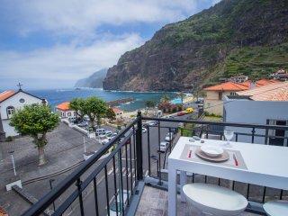 Oliveira's Penthouse [NEW] - Cozy & Amazing view! - Ponta Delgada vacation rentals