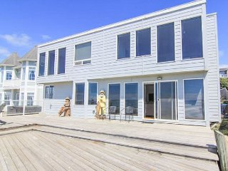 Breathtaking Views from this Six-Bedroom Oceanfront Beauty! - Lincoln City vacation rentals