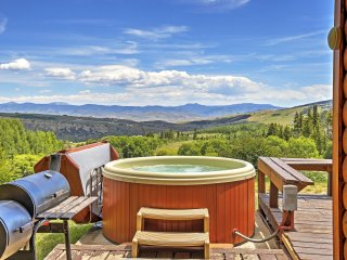 Rustic & Peaceful 4BR Gore Pass Kremmling Cabin w/Private Hot Tub, Deck & Amazing Views - Under 1 Hour from Major Ski Resorts & Many Other Attractions! - Kremmling vacation rentals