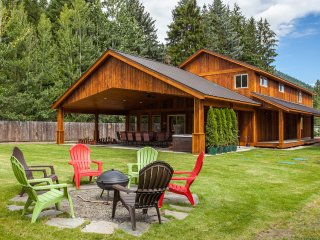 6 bedroom, New Home, 2 miles from Leavenworth - Leavenworth vacation rentals