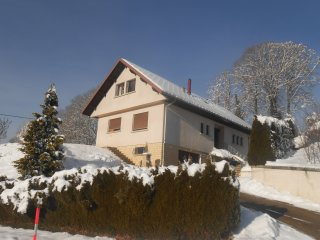 Maison spacieuse dans le Doubs (alt. : 1000 m) - Villers-le-Lac vacation rentals