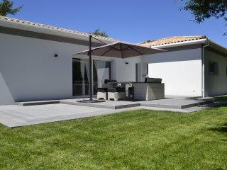 Maison avec Jardin proche lacs et océan - Carcans vacation rentals