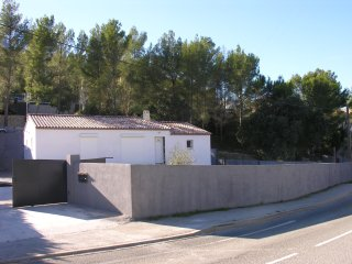 Appartement avec terrasse à la campagne - La Valette-du-Var vacation rentals