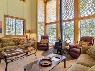 2 bedroom House with Internet Access in Sunriver - Sunriver vacation rentals