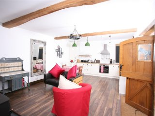Lovely Barn with Internet Access and Television - Lydney vacation rentals