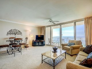 Emerald Beach 2033-1BR+Bnks-AVAIL8/15-22-RealJOY FunPass*FREETripIns4NEWFallBkgs* - Panama City Beach vacation rentals