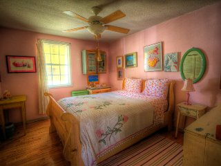 Tybee Queen,12P,HotTub,Bikes,Big Gameroom,PetsOK - Tybee Island vacation rentals