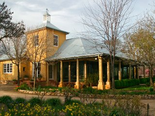 Comfortable 2 bedroom Adelaide Bed and Breakfast with A/C - Adelaide vacation rentals