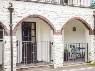 THE HIDEAWAY ground floor, woodburner, pet-friendly, walks and cycle routes nearby, in Lynmouth Ref 936804 - Lynmouth vacation rentals