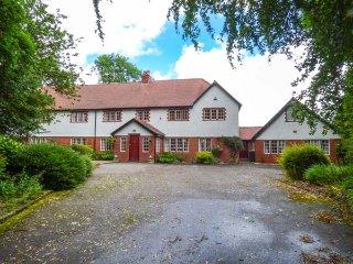 AEOLUS, swimming pool, tennis court, woodburning stoves, luxury accommodation - Buxton vacation rentals