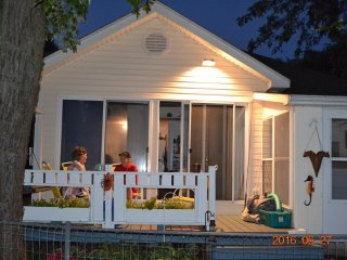 Barbee Chain/Little Barbee Lakefront Cottage - Warsaw vacation rentals
