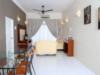 Eden Seaview 3-Bedroom Apartment High Floor - Georgetown vacation rentals