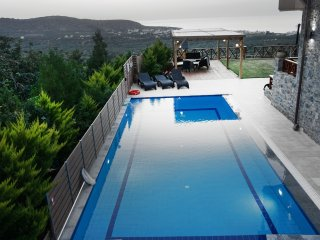 Gorgeous Villa with A/C and Central Heating - Milatos vacation rentals