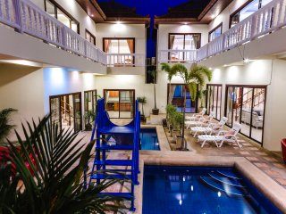 8bdr Avoca Pool Villa, pool & slide - Pattaya vacation rentals