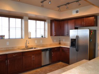 Spacious Chandler Escape Near Shopping, Great Food - Chandler vacation rentals