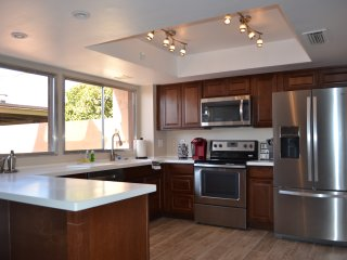 HUGE Modern NEW Tempe Townhome Near ASU - Tempe vacation rentals
