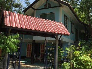 Charming Private room with Internet Access and Wireless Internet - Doi Saket vacation rentals