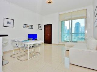 Bright 1 bedroom Condo in Dubai Marina - Dubai Marina vacation rentals