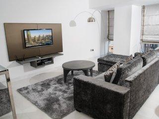 Beautiful 2 bedroom Condo in Dubai Marina with Internet Access - Dubai Marina vacation rentals