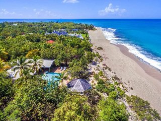 SOLEIL COUCHANT...Delightful beachfront villa on Plum Bay perfect for 2 couples - Baie Rouge vacation rentals
