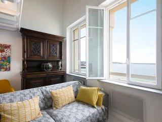 Duplex de charme face à l'océan, idéalement situé - Saint-Jean-de-Luz vacation rentals