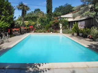 Traditional house with swimming pool - Pougnadoresse vacation rentals