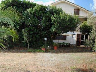 Appartamento indipendente in campagna, uso piscina - Villamassargia vacation rentals